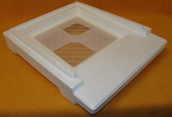 Segeberger Varroaboden mit festen Flugbrett DNM mit Kunstoff Gitterplatte